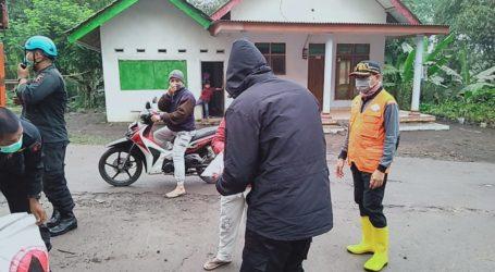 Sebanyak 550 Warga Mengungsi, Gunung Semeru Luncurkan Awan Panas