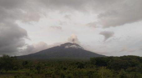 PVMBG: Erupsi Gunung Ili Lewotolok Aktivitas Vulkanik Paling Signifikan 2020