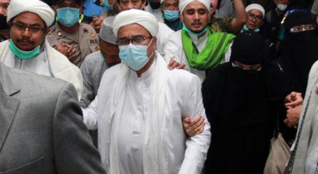 Habib Rizieq Ditahan, Sebelumnya Jadi Imam Salat