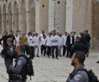 Puluhan Pemukim Yahudi Serbu Al-Aqsa