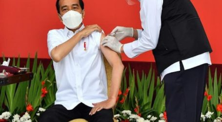 Jokowi Lalui Empat Tahapan Saat Disuntik Vaksin COVID-19