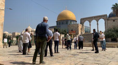Ratusan Pemukim Israel Lakukan Tur Provokatif di Halaman Al-Aqsa