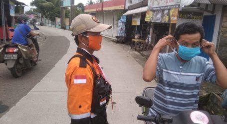 Ukhuwah Al-Fatah Rescue Ikut Bagikan Masker di Bogor