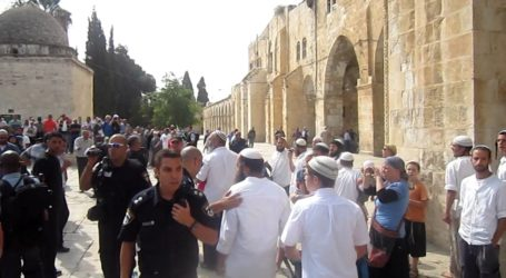 Pemukim Yahudi Serbu Halaman Masjid Al-Aqsa