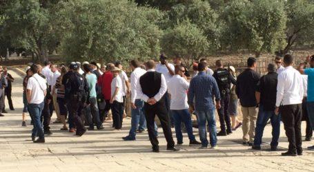 Lebih dari 90 Pemukim Yahudi Nodai Masjid Al-Aqsa
