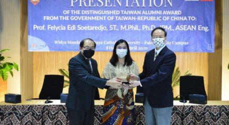 Prof. Felycia Edi Soetaredjo Sampaikan Kesan Belajar di Taiwan