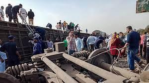 Kereta Tergelincir di Mesir, 11 tewas, 98 Cedera