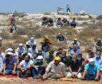 Warga Palestina Gelar Shalat Jumat di Tanah Terancam Dirampas Israel