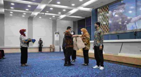 Penerima Kartu Jakarta Mahasiswa Unggul Diberi Gelar Naramuda