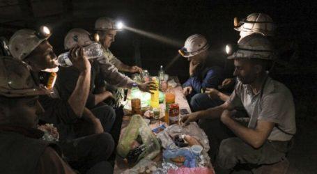 Meski Sulit, Pekerja Tambang di Bosnia Tetap Berpuasa