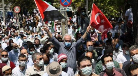 Pemuda di Berbagai Wilayah Turki Demo Kecam Serbuan ke Al-Aqsa
