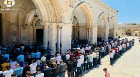 Sekitar 35.000 Jamaah Shalat Jumat di Masjid Al-Aqsa