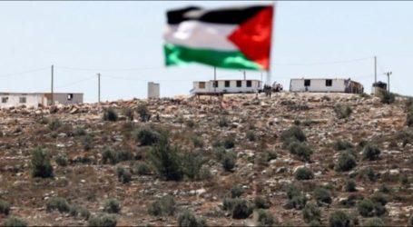 Para Pemuda Palestina Protes Pembangunan Permukiman Israel di Gunung Sabih