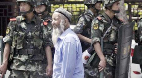 Pria Uyghur Dipenjara 15 Tahun Karena Telepon Pamannya di Luar Negeri