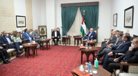 Abbas Bertemu Enam Organisasi Palestina yang Dicap 'Teroris' oleh Israel