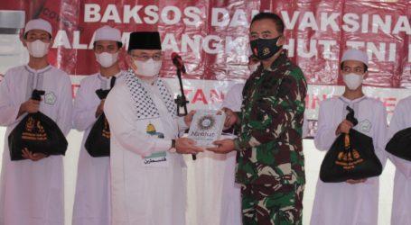 1.000 Paket Sembako dari Alumni AKABRI 1989 untuk Pesantren Al Fatah